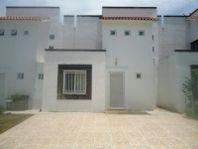 Casa en Venta en FRACC. VILLAS DE BERNALEJO