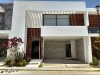 Casa en Venta en Parque Quintana Roo, Lomas de Angelópolis