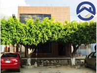 Casa en Venta en Infonavit El Rosario