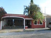 Casa en Venta en Fracc Res los Pinos