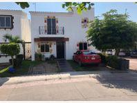 Casa en Venta en Mediterraneo residencial exclusivo cerca de centros commerciales y marina