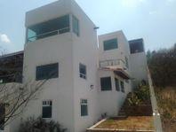 Casa en Venta en   Corregidora