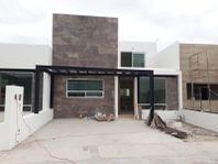 Casa en Venta en FRACC. VILLAS DEL ROBLE II