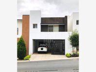 Casa en Renta en Cumbres San Agustin