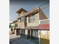 Casa en Venta en San Juan de Aragon 2da Secc