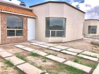 Casa en Venta en CASA DENTRO DE PRIVADA AL SUR DE PACHUCA, 112 DE TERRENO 3 RECAMARAS