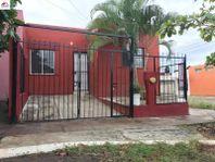 Casa en Venta en esquina, a dos cuadras de la Av. Niños Héroes; ubicada en La Reserva, V.A., Coli