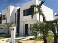 Casa en Venta en Fraccionamiento Nuevo Playa del Sol