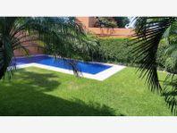 Casa en Venta en Cuernavaca Palmira, Preciosa Residencia Estilo Minimalista, Excelente Zona
