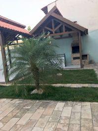 Casa em Camboinha com piscina, 300 metros da praia. (A/P)