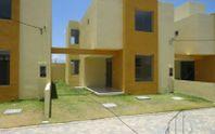 Casa em Condomínio Fechado em  Praia de Ipitanga em Lauro de Freitas