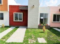 Casa en Fracc con Alberca, al sur de Pachuca Hgo