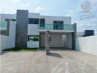 Hermosa casa en Cholul
