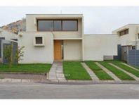 Impecable casa estilo mediterránea ubicada en Chamisero