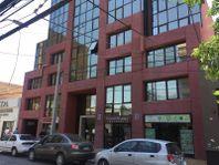 Linda oficina remodelada en el corazón del centro de Curicó