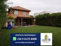 Hermosa casa chilena - Barrio Laguna Santa Elena