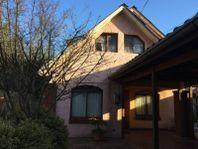 Casa con 2800 mts2 de terreno dentro de la ciudad de Linares