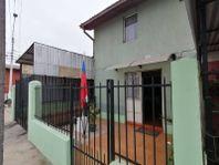 Amplia casa de 5 dormitorios, a pasos de calle Huanhuali
