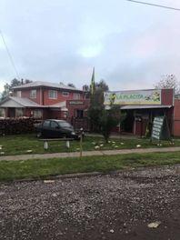 Venta Casa Habitación con 2 Locales Comerciales