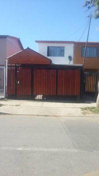 Venta de Casa Con Estacionamiento En Puente Alto