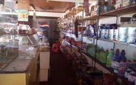 Local comercial con casa incluida, sector Tierras Blancas.