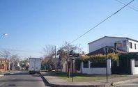 GRAN CASA CON LOCAL COMERCIAL