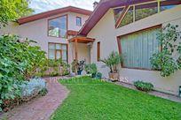 Casa en tranquilo barrio, sector Tabancura