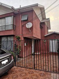 Casa en venta 3D + 3B + E/Barrio Oeste, Maipú