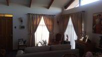 Vendo amplia casa en Villa Alemana,  4 Dorm. 2 baños $ 125.000.000