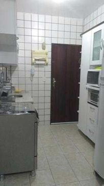 Apartamento térreo sem área privativa. (P)