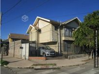 Casa esquina 2 pisos en Villa el Abrazo!