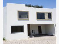 Casa en Venta en Venta en exclusivo Fraccionamiento Zona Carcaña