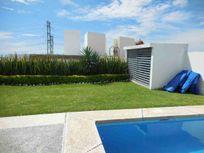 Residencia 2 plantas, T:371 m2, C: 313 m2 , 3 rec.