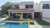 Residencia T: 333 m2, C: 296 m2 , 3 rec, 4 baños, Corinto, Burgos.
