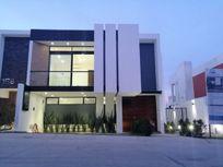 Casa en venta en Zapopan fraccionamiento Los Robles Residencial