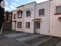 Casa en Villas del Guadiana IV con espacios amplios