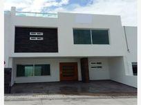 Casa en Venta en FRACCIONAMIENTO MILENIO III