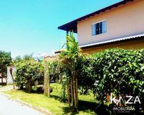 Casa  em Condomínio Fechado à 100 m da Praia