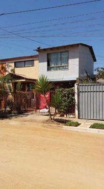 Vende casa dos pisos pareo simple