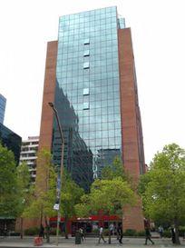 Piso completo de oficinas en Metro El Golf, 1058m2