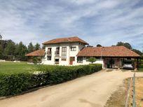 Preciosa Casa Estilo Colonial sector Peñaflor