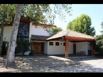 Gran oportunidad linda casa en Condominio Las Araucarias de Linderos